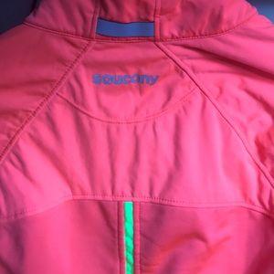 2aa70921 Saucony Nomad running jacket